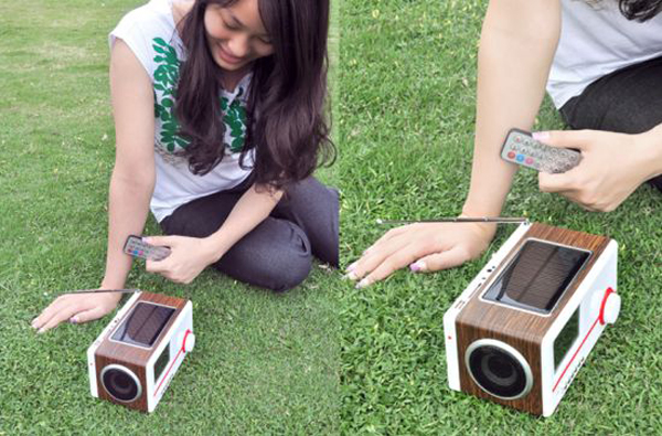 Solar_Mini_Speaker_Charger