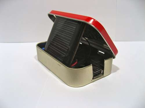 DIY-Solar-USB-Charger-Altoids