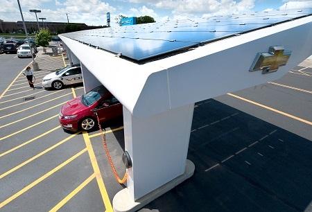 Solar charging canopy, GM Sunlogics investment