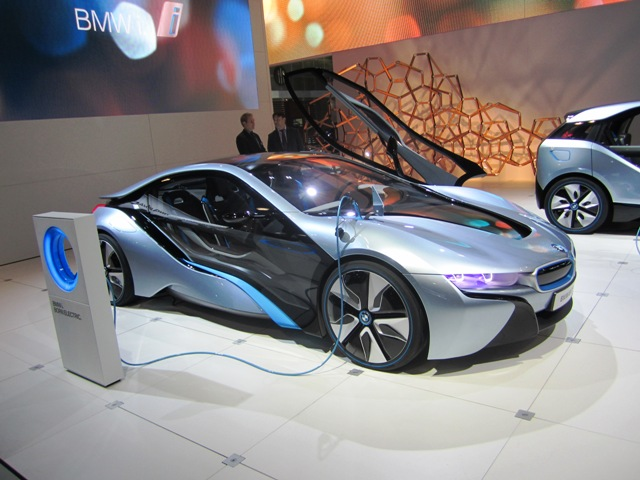 BMWi8 on display at the LA Auto Show. Image copyright EarthTechling