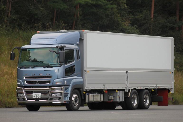 fuso_hybrid_truck