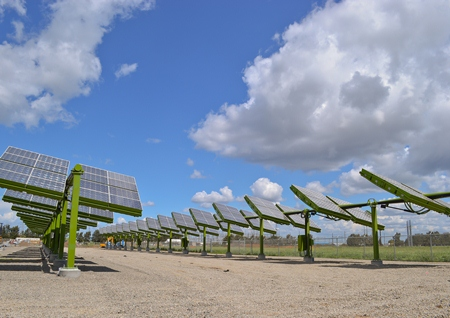 GreenVolts CPV System_panels facing sun