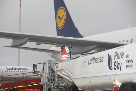 Lufthansa Biofuel Plane