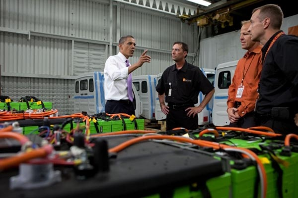 President Obama at the Smith plant in 2010 (image via the White House)