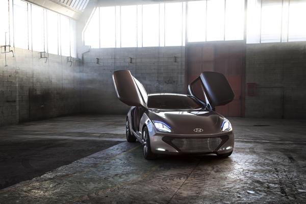 Hyundai i-oniq (doors open) - image via Hyundai