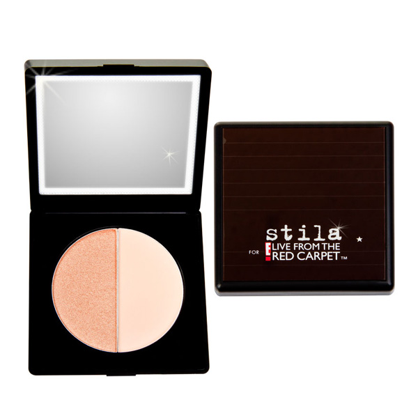 Stila solar-powered compact