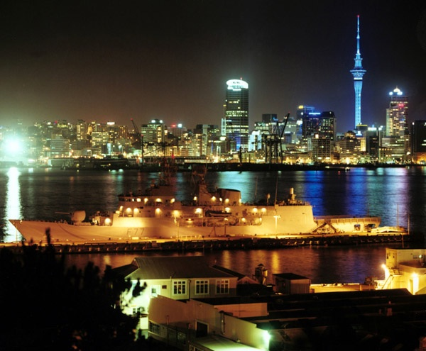 nz-80percent-renewable-citylights