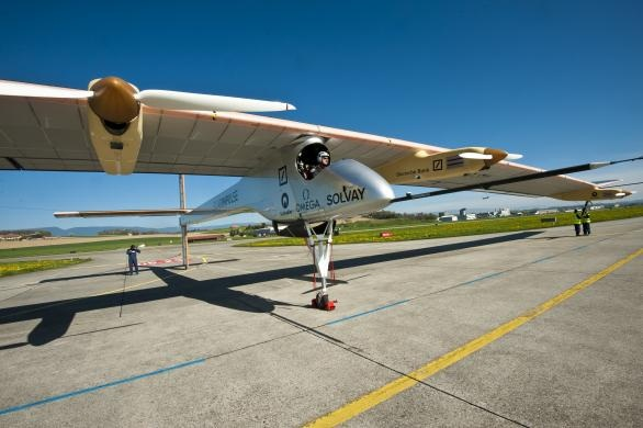 solar impulse,solar airplane