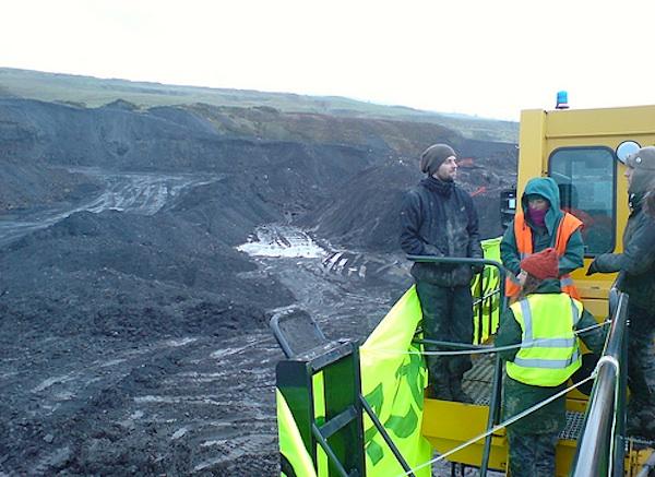 protestors-welsh-coal Vattenfall 299 MW wind farm on coal seam