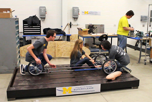 supermileage-team-students