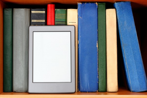 E-readers and real books