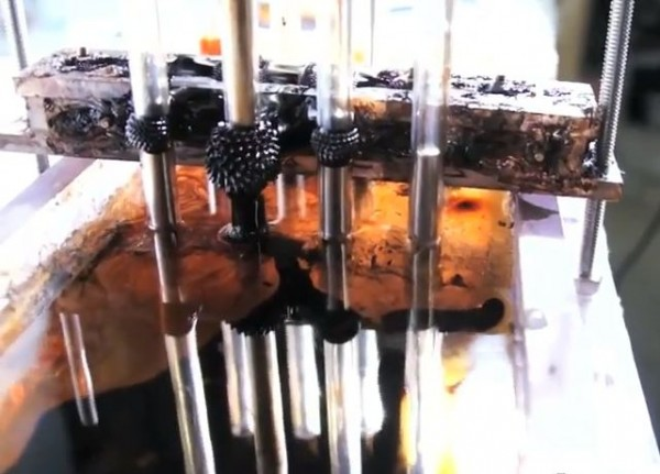 MIT-oil-spill-magnet