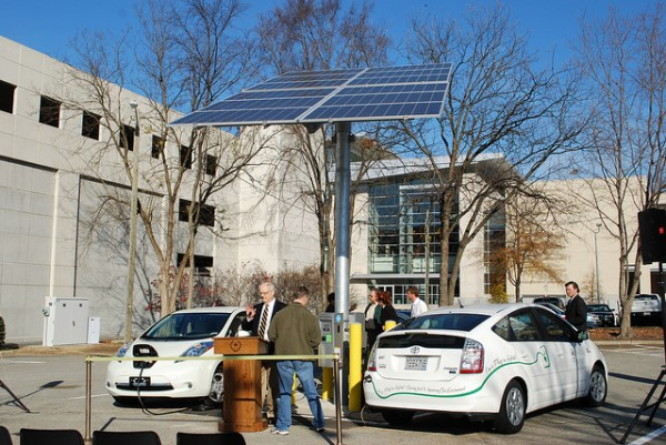solar-powered-EV-charging-station