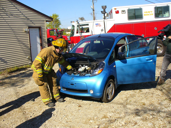 i-MiEV firefighter training