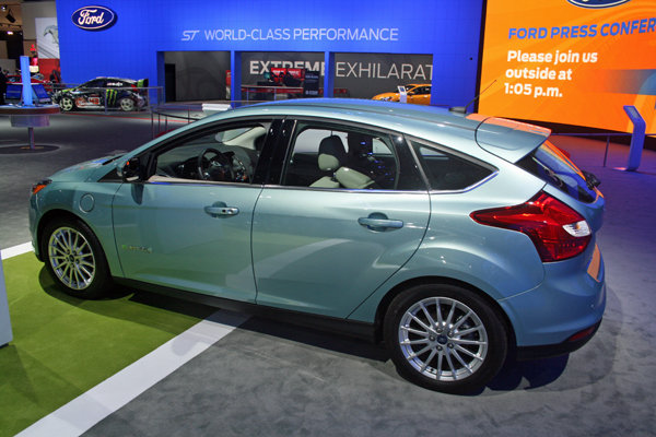 Ford Focus Electric at Los Angeles Auto Show (image copyright EarthTechling)