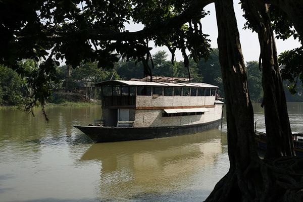 Solar-powered boat school, Bangladesh