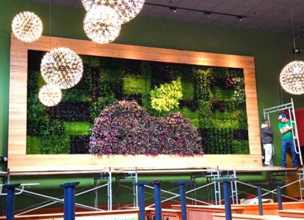 Applebees Green Wall