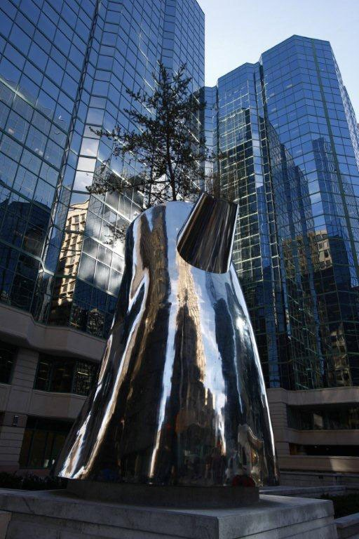 Ottawa's 180 Kent Street tower earned a LEED Platinum rating. Image via CNW Group/The Minto Group.