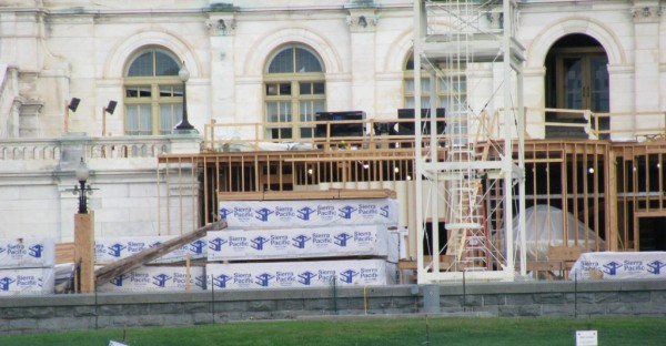 The President's inauguration stage under construction using SFI-certified lumber. Image via Sierra Pacific Industries.