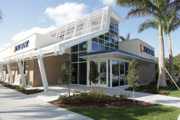 PNC Back's new net-zero energy branch in Ft. Lauderdale, Fla. Image via PNC Bank.