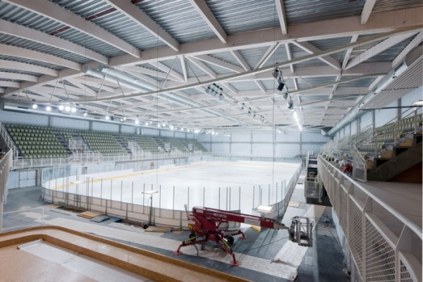 The rink as it neared completion in December 2012. Image by Marc Detiffe via L'Escault Architectures.