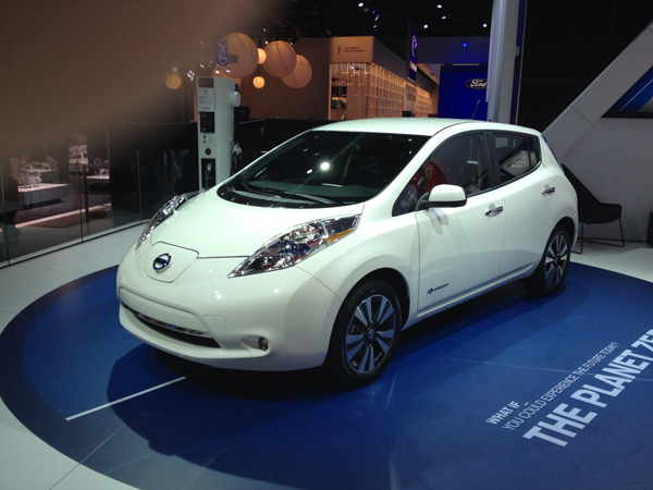 2013 Nissan Leaf at 2013 Detroit Auto Show (image copyright EarthTechling)