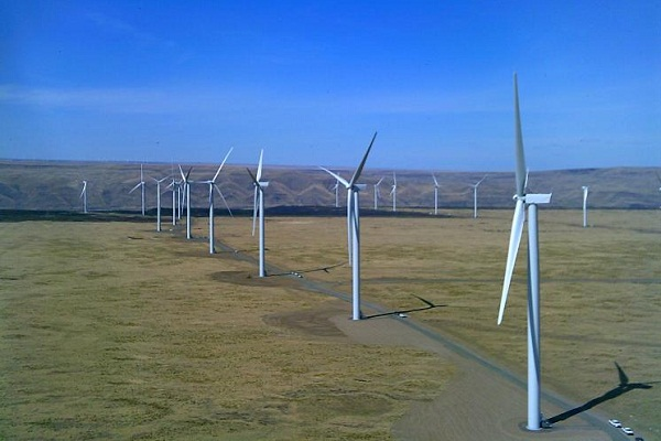 New wind capacity went online at the Shepherds Flat wind farm in Oregon in 2012 (image via Caithness Shepherds Flat)