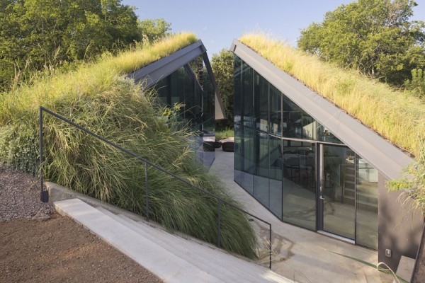 Austin's Edgeland House is part bunker, part hillside, part modern residence all in one. Image via Bercy Chen Studio.