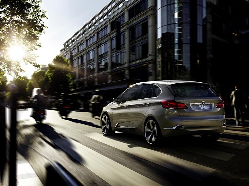 BMW Concept Active Tourer rear left
