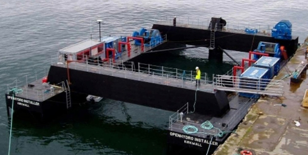 The 2 350-ton turbines could be installed in 2014 if they receive final approval. This barge could be used to do the job. (image via EarthFix)