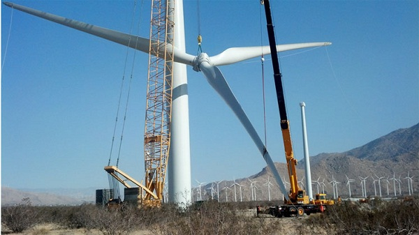 Cabazon Wind Turbine nestle
