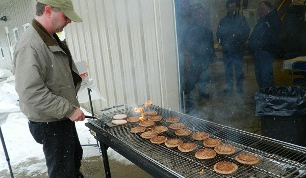 Hot grill on a winter day (image via Ride the Wind)