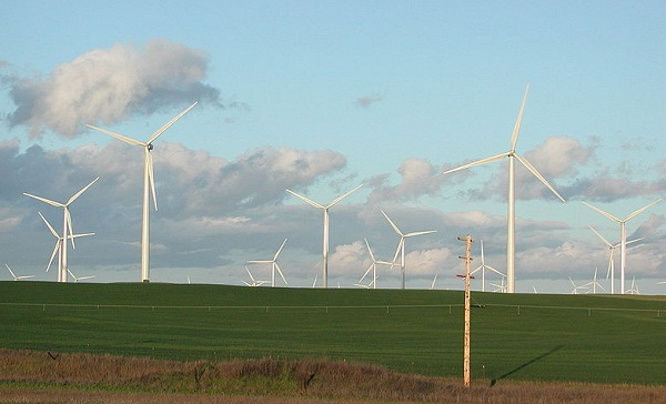 Solano County, Calif., wind farm (image via Wikimedia Commons)