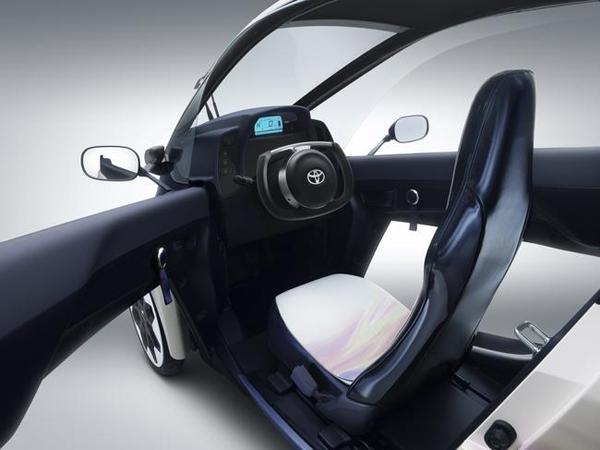 Toyota I-Road interior (image via Toyota)