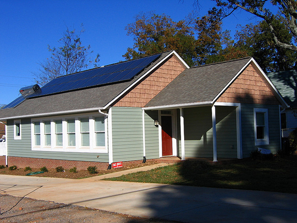 This is Catawba Valley Habitat for Humanity's Zero Energy House in the Ridgeview Neighborhood of Hickory, North Carolina. It is considered to be the first Zero Energy home in the entire state. (image via skrobotic/Flickr)