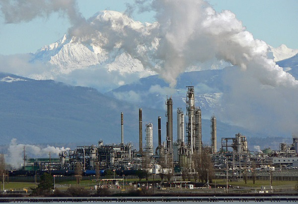 Tesoro refinery, Anacortes, Wash. (image via Wikimedia Commons)