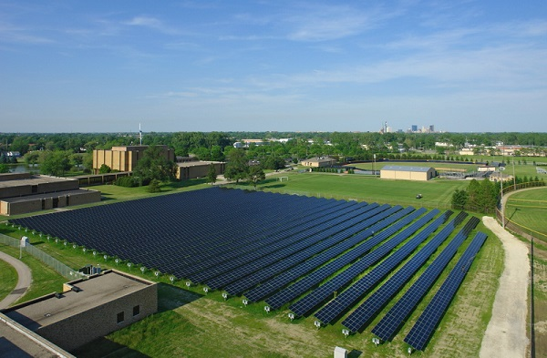 1.2 MW solar array at the University of Toledo (image via Constellation)