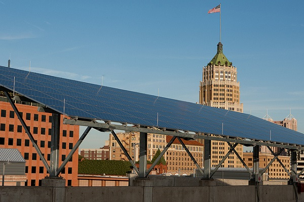 Solar installation in downtown San Antonio (image via CPS Energy)