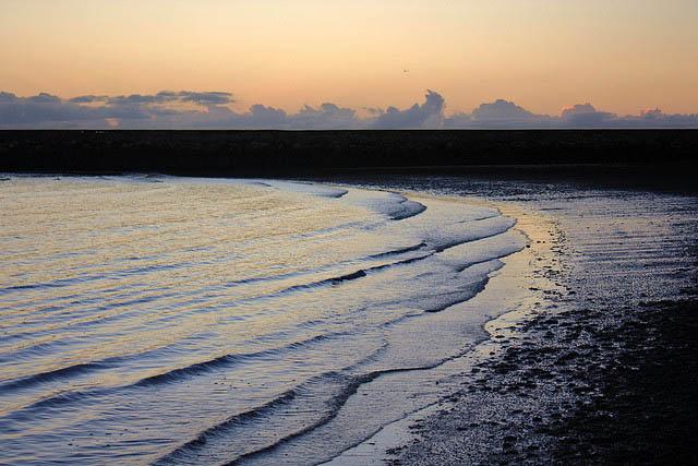 waves-at-dawn-australia
