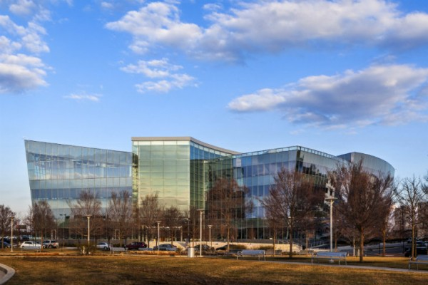 Exterior of new GlaxoSmithKline building at the Philadelphia Navy Yard. Image by Francis Dzikowski/Esto for Robert A.M. Stern Architects, LLP.