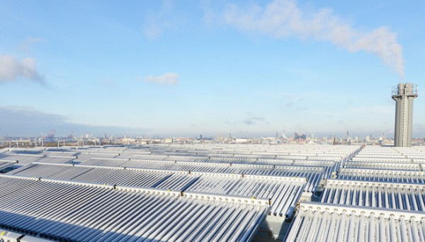 Solar thermal arrays have been installed on the roof. Image via IBA Hamburg.