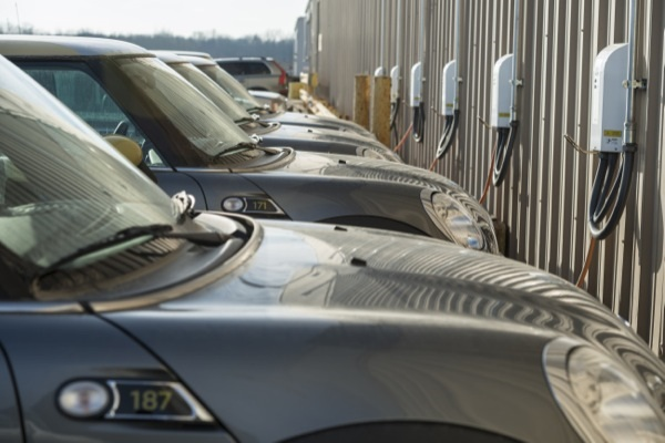 15 Mini E vehicles from BMW at the University of Delaware act as a power plant (image via University of Delaware)