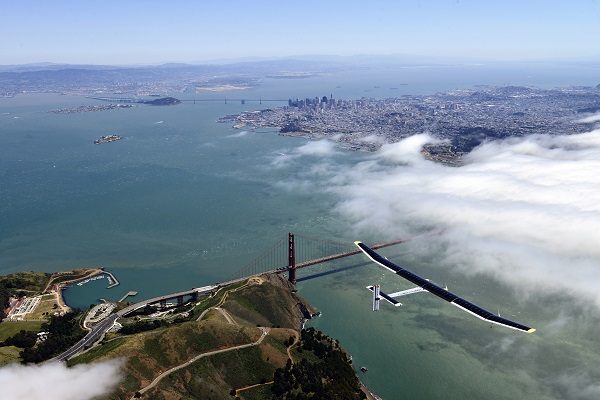 Solar Impulse on test flight earlier this week over the Golden Gate (image via Solar Impulse)