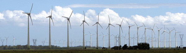 A wind farm in Brazil (image via Mancio7B9/Flickr)