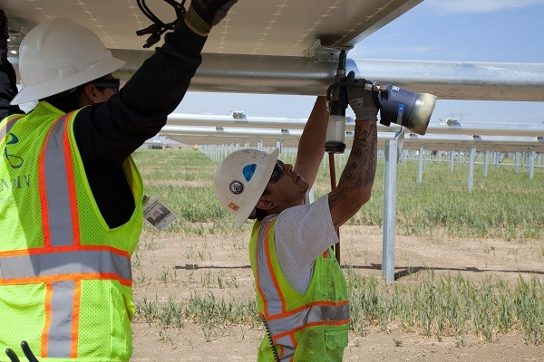 MidAmerican solar sunpower
