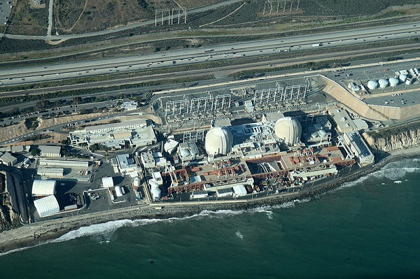 Southern California Edison recently decided to shut down San Onofre, rather than try to fix it. (image via Wikimedia Commons)