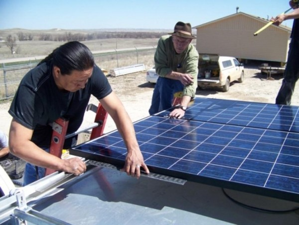 Students and instructors at Oglala Lakota College designed, connected and built a mobile solar energy system over the course of two days. (image via Oglala Lakota College)