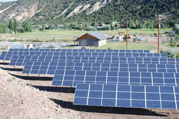 Mid Valley Solar Array, near El Jebel, Colorado. (image via Clean Energy Collective)