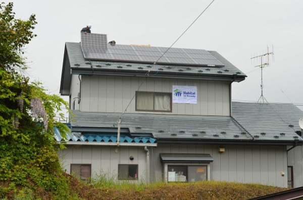 Habitat for Humanity Japan's first solar home went up this year in the coastal city of Ofunato, which lost one-quarter of its homes in the 2011 tsunami. (image via Habitat for Humanity Japan)