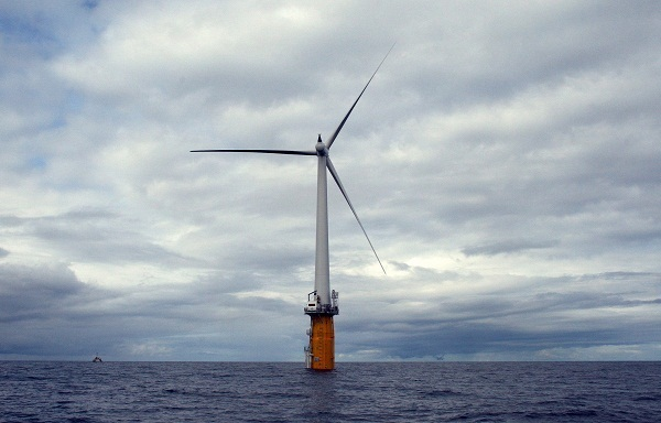 Statoil Hywind floating turbine, off Norway (image via Trude Refsahl/Statoil)